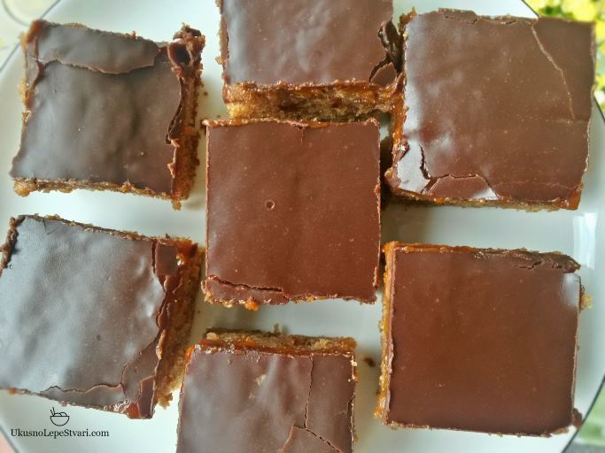 kolac-sa-cokoladom-i-cimetom